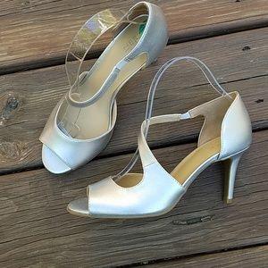Naturalized Bella Heels
